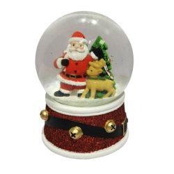 図彫刻の沿岸装飾の樹脂部屋は雪音楽クリスマスのガラス玉を飾る
