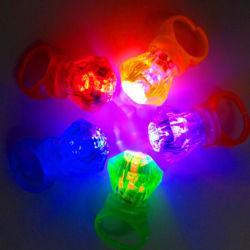 LEDの白熱リングは点滅のリングのプラスチックダイヤモンドの子供の演劇のリングをつける