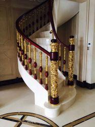Усиленная металлическая лестница в роскошных апартаментах Hotal клуб