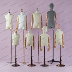 Il modulo del vestito dai bambini del tessuto della vetroresina scherza il Mannequin del torso