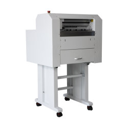 آلة قطع شريط لاصق تلقائي التسمية مع آلة قطع مزودة بورقة، شريط لاصق ذاتي