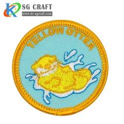 工場価格の高品質のカスタム刺繍パッチかバッジまたは紋章はデザインを刺繍した