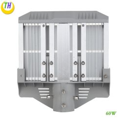 IP65 étanche extérieur haute luminosité LED automatique des feux de route avec le capteur à bas prix d'éclairage extérieur 120W Rue lumière solaire