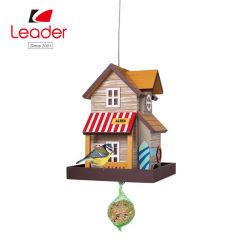 屋外の装飾のための多色刷りの美しい木の鳥の家