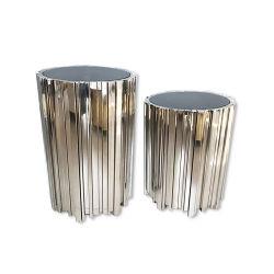 La salle de séjour de l'argent en acier inoxydable verre table basse ronde encadrée ensemble canapé Retour Côté Table Meubles