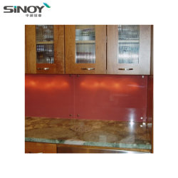 Moderne Küche-Dekoration Using angestrichene Glaswand des Rot-Ral3020 zurück für Hauptentwurf