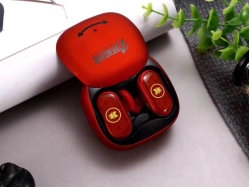 아이들 Adlut를 위한 신식 싼 형식 크리스마스 선물은 놀라운 일 복수자를 위한 무선 Bluetooth 헤드폰 헤드폰 이어폰을