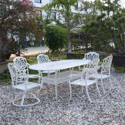 La reproduction de meubles antiques Restaurant Piscine