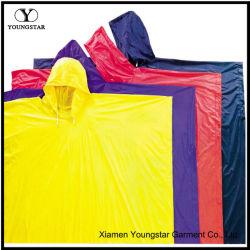Leve / amarelo roxo / vermelho / azul PVC chuva Poncho impermeável