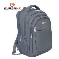 Chubont ha riempito lo zaino della spalla del doppio del sacchetto del computer portatile con il cavo del trasduttore auricolare