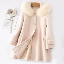 2021 Nuevo estilo abrigo de piel al por mayor cuello de botonadura simple con Sombrero Lamb piel Coat oveja cómoda Natural pieles Coats Mujer