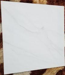 Foshan prix bon marché de la porcelaine émaillée carrelage de sol poli 60X60