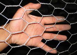 PVC 6각형 철사 그물세공 메시가 6각형 철망사에 의하여 또는 직류 전기를 통한다