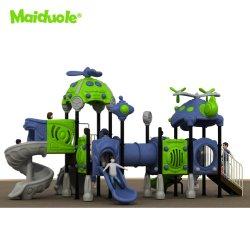 A fábrica de plástico comercial os filhos a jogar o jogo de desportos ao ar livre, campo de atividade de equipamentos de playground conjuntos de slides