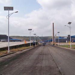 Um único Braço Duplo LED solares rua/estrada jardim à prova de luz exterior com painel