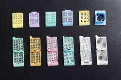Laboratório de Tecido plástico descartável com orifícios redondos de cassetes de inclusão