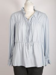 自己ファブリックタイが付いている女性のひだカラー偶然のワイシャツ