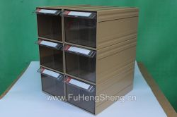 Petite boîte en plastique des tiroirs de petites pièces partie dessin