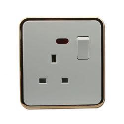 13A la luz indicadora de enchufe con toma de Reino Unido con el interruptor (J1-14)