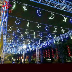 Mond und Stern über Straßen-Motiv-Lichtern des Bogen-LED für im Freienweihnachtsdekorationen