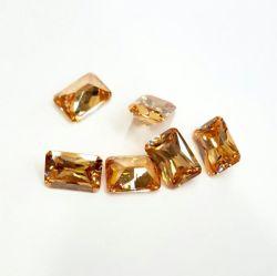 Champagne de haute qualité couleur émeraude de la forme de zircone cubique lâche des pierres précieuses