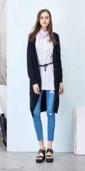 女性のための卸し売り標準的な衣服のブランドのカーディガンのウールのセーター