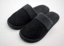 Gemütliches Gewinde-Tuch-organischer Baumwollehaus-Hefterzufuhr-waschbarer flacher Innen- der Ofoot Männer/im Freienbeleg auf Schuhen
