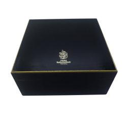 De klassieke Zwarte Doos van Oud van het Parfum van de Lak Shinny Houten