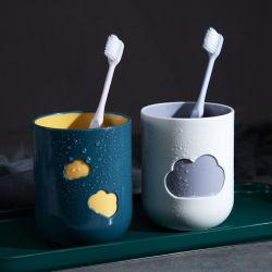 Tazza creativa della plastica del Toothbrush delle coppie della nube