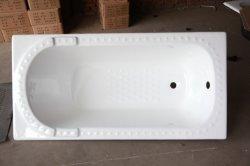 حوض استحمام منفصل خالٍ من البورسلين بالكرايين