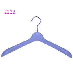 Logotipo personalizado de plástico barato branco Jersey cabides para Boutique
