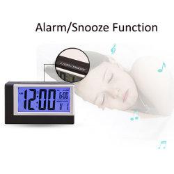 Fabricante de alimentación por batería AAA Reloj Despertador de viaje con repetir y nocturna