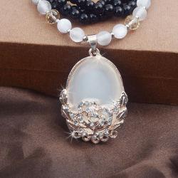 Mode bijoux créatifs à longue chaîne en alliage de Collier Pendentif Crystal Accessoires