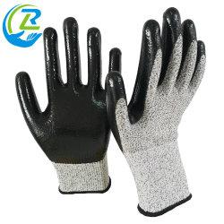 Il nitrile Hppe rivestito liscio ha lavorato a maglia i guanti resistenti di sicurezza del lavoro del taglio all'ingrosso