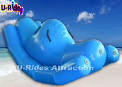 L'eau gonflable Totter de couleur bleue pour les sports nautiques