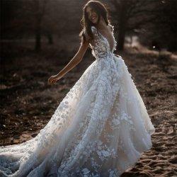 Bohemia sexy vestido de novia 2020 mangas cortas de profundidad 3D de cuello V apliques florales Backless trajes de novia
