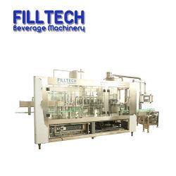 Jus de fruits automatique de l'eau de boisson de bouteilles PET liquide Paquet d'Embouteillage d'emballage de la machine de remplissage