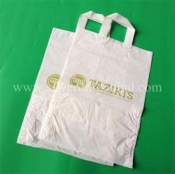La poli maniglia molle di plastica su ordinazione del ciclo trasporta il sacchetto per il negozio del panno