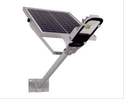 옥외 벽 폴란드가 LED 거리 태양 에너지에 의하여 방수 처리한다 점화한다