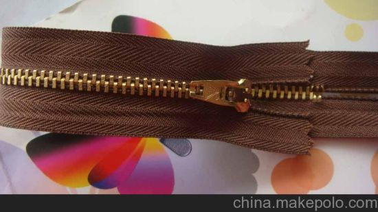 5# Brass Close-End Zipper with Yg Slider for Good Price