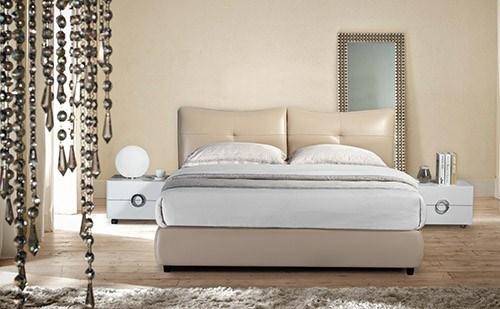 Modern Home Furniture Wood Metal Upholstered King Headboard King Bed