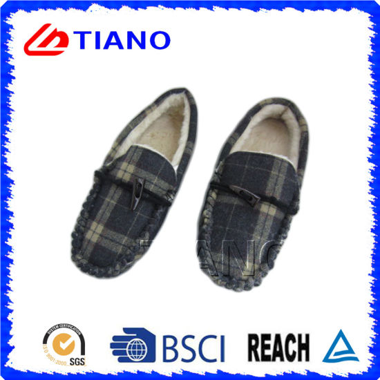 Fashion and Warm Micro Suede PU Shoes for Man (TNK36011-15) pictures & photos
