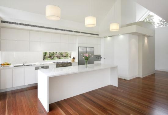 China Customized High Glossy Kitchen Cabinet By L 48 China