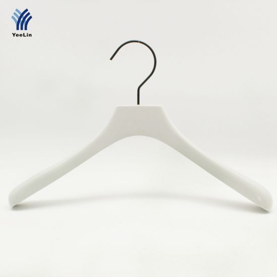 Yeelin Wooden Clothing Hanger with Thick Shoulder Children Size pictures & photos