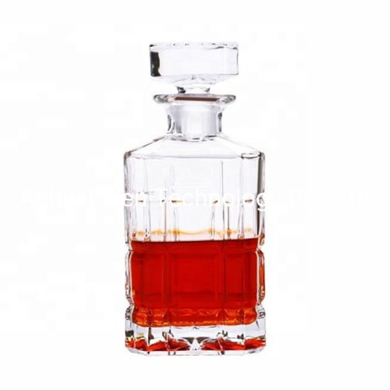 2019 Hot Sale Engraved Square Vintage Glass Decanter with Stopper Caps for Unique Gift