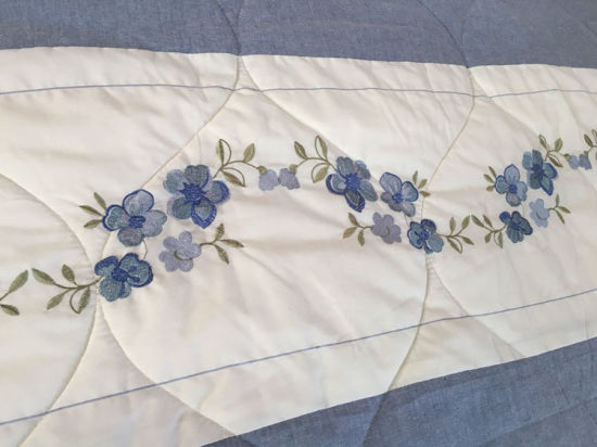 Fresh Dyed Cotton Embroidery Quilt pictures & photos