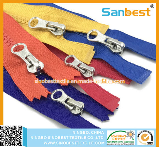 Garments Accessories of Resin Zippers