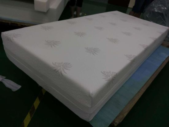 Comfort Furniture Personalized Customization Mamory Foam Mattress pictures & photos