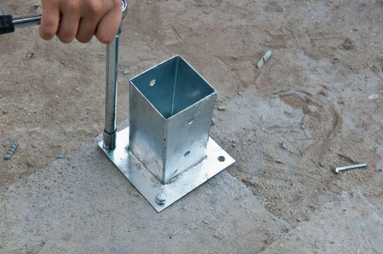 6X6 Post Concrete Base Fence Post Anchors in Concrete