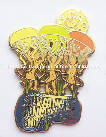 Customized Zinc Die Cast Plating Gold Hard Enamel Badge (Hz 1001 B54) pictures & photos